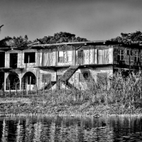largehouse